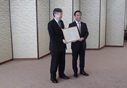 左より全木協 青木理事長、山口県 村岡知事